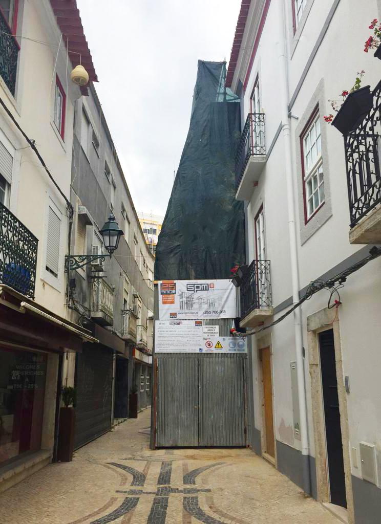 Início de mais uma obra de reabilitação de edifícios