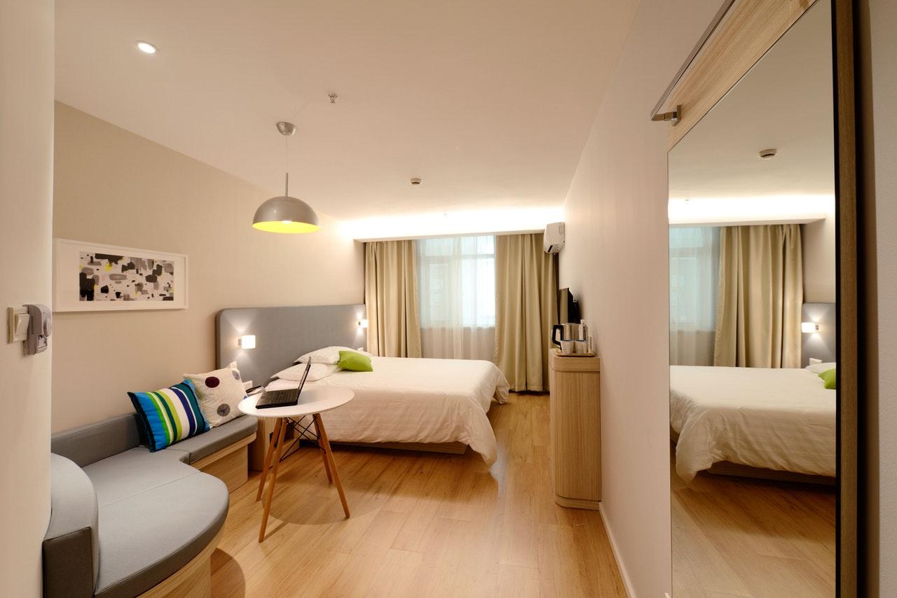 Remodelar apartamento: Ideias para tornar o seu quarto mais amplo!