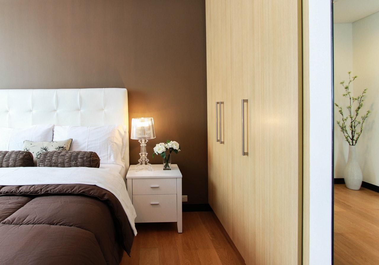 Ideias para renovar casas: 3 quartos de casal modernos