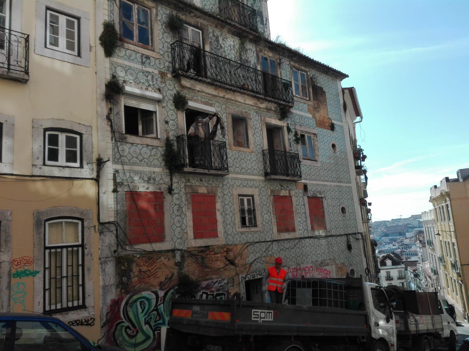 Nova obra de reabilitação e remodelação neste prédio! (Graça-Lisboa)