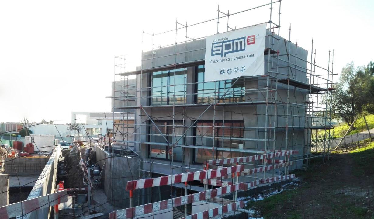 SPM | A decorrer: Construção de moradia uni-familiar (Carnaxide, Lisboa)